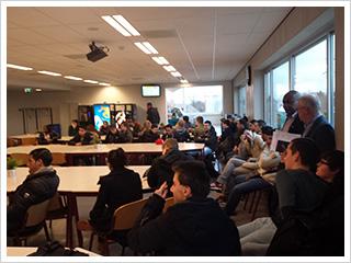 grote groep studenten start met ikgaondernemen ceondernemen certificaat aan de ROC A12 Veenendaal